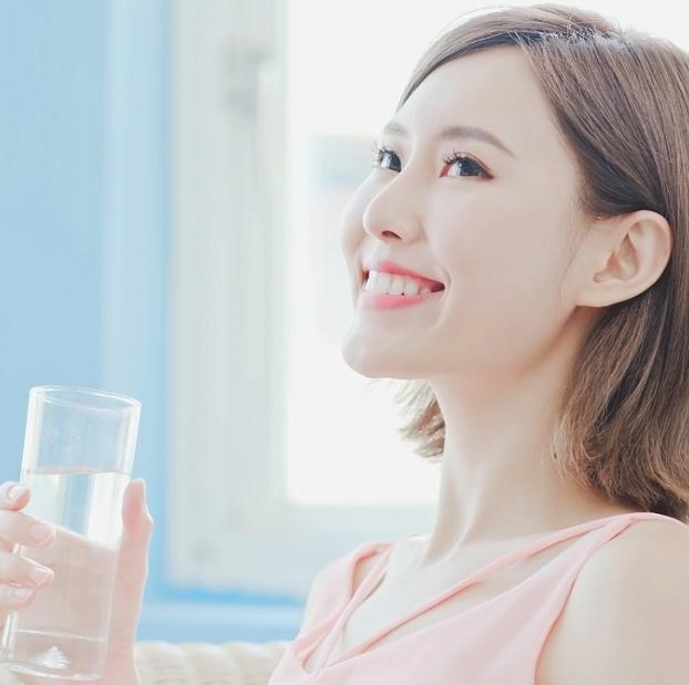 Chăm sóc cho da thiếu ẩm? Hãy bổ sung nước!